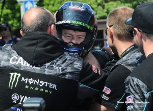 Hutchy goes level with Hailwood with Supersport 2 win