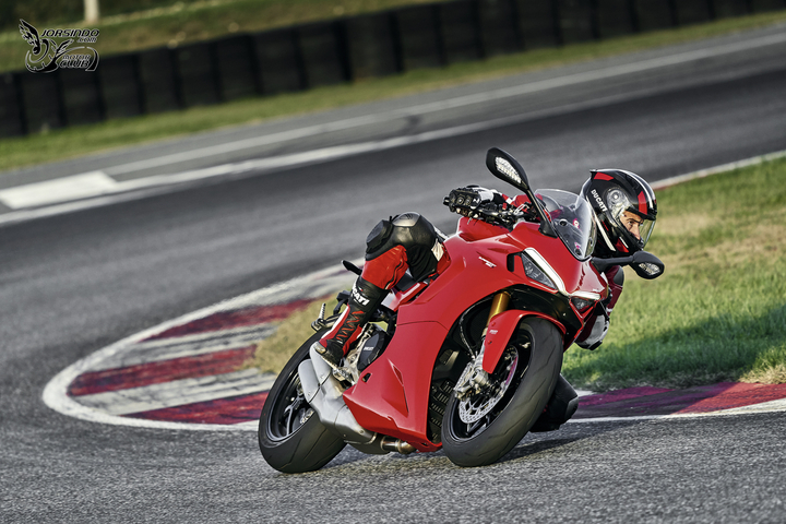 換臉大作戰!DUCATI「SuperSport 950」新面貌